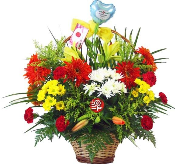 Cesta Arcoiris con flores de temporada
