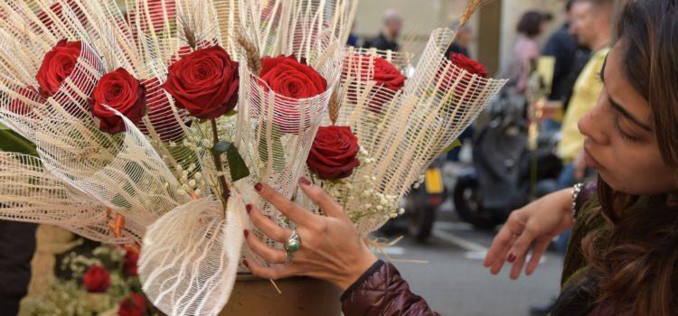 23 de Abril: Sant Jordi y el significado de regalar rosas