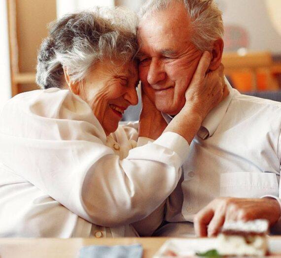 Esta Abuelita ha recibido un regalo muy ESPECIAL y la gente está muriendo de Amor